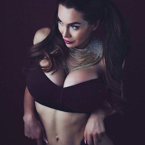 پکسی فوکس _Pixee Fox دختر مشهور عروسکی با بدنی شبیه باربی