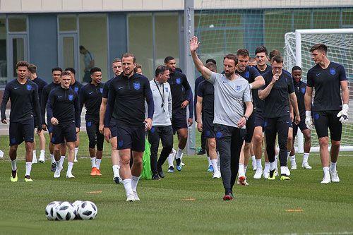 فرم پیش بینی بازی فوتبال انگلیس و کرواسی قهرمان جام جهانی