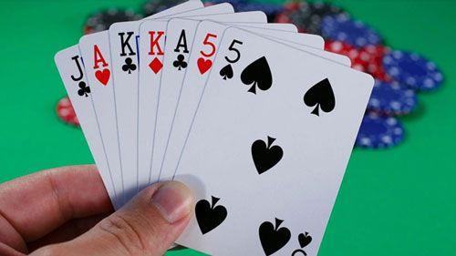 نحوه بازی پوکر هفت کارته گل میخ _ همه آنچه باید بدانید
